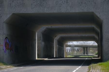 X-5025 Scharendijke. Rampweg. De viaducten van de N57 over de Rampweg