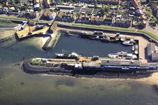 X-5369 Bruinisse. Luchtfoto van een van de havens no-zw