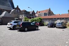 X-5598 Zierikzee. Hogemolenstraat. Parkeerplaats. Op deze plek werd in 1896 een wielerbaan geopend door de weduwe A. ...