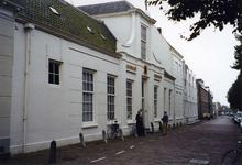 ZM-0333 Zierikzee. Poststraat 45. Sinds 1863 Burgerweeshuis. Het gebouw dateert uit omstreeks 1730.