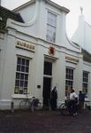 ZM-0335 Zierikzee. Poststraat 45. Sinds 1863 Burgerweeshuis. Het gebouw dateert uit omstreeks 1730.