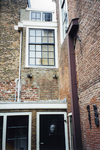 ZM-0338 Zierikzee. Poststraat 45. Detail achtergevel. Sinds 1863 Burgerweeshuis. Het gebouw dateert uit omstreeks 1730.