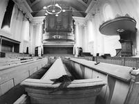 ZM-0990 Zierikzee. Interieur Nieuwe Kerk (met dode zwaluw)