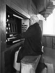 ZM-0991 Zierikzee. Nieuwe of Grote kerk. Het orgel wordt regelmatig bespeelt door dhr. Visser, om het op peil te houden.