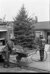 JVH-1563 Scharendijke. Elkerzeeseweg. De brandweerkorpsen van Middenschouwen en Kerkwerve rukken uit voor een ...