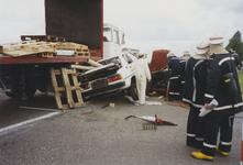 960107 Brandweeroefening van de regio-bijstand aan de Nijverheidsstraat te Sas van Gent
