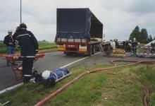 960110 Brandweeroefening van de regio-bijstand aan de Nijverheidsstraat te Sas van Gent
