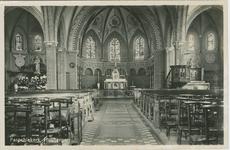 HUY-P-4 Het interieur van de in 1944 verwoeste Rooms-katholieke kerk te Huijbergen