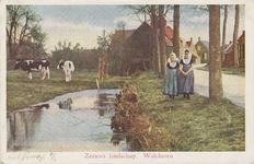 KLD-P-261 Twee meisjes in Walcherse dracht in een dorp