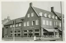 OBG-8 Hotel De Eenhoorn aan de Markt te Oostburg