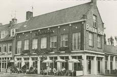 SLU-P-86 Hotel Central aan het Walplein te Sluis