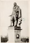 19129 Het standbeeld van M.A. de Ruyter op de boulevard te Vlissingen.