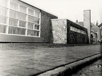 27739 Nieuwe Nutskleuterschool op de hoek van de Julianalaan en de Vrijdomweg, ter vervanging van het schooltje in de ...