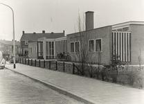 27747 De nieuwe Prinses Wilhelminaschool aan de Berlagestraat. De school heeft twee grote werklokalen en een achthoekig ...