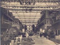 29746 Koninklijke Maatschappij de Schelde (KMS) in Vlissingen. De 3e Loods machinefabriek. Rechter motor op proefstand