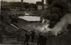 31947 Oefening van de Vlissingse brandweer op het terrein van de Vlismar aan de Prins Hendrikweg in Vlissingen. Het ...