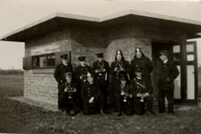 31948 Oefening van de Vlissingse brandweer op het terrein van de Vlismar aan de Prins Hendrikweg in Vlissingen. Het ...