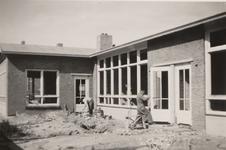 35561 Bouw van de openbare kleuterschool de Iris aan de Willem Roelfszlaan - Jozef Israëlslaan.Architect: J.S. ...