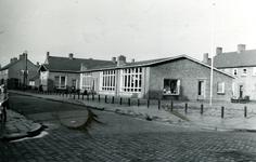 35562 De nieuwe openbare kleuterschool de Iris aan de Willem Roelfszlaan - Jozef Israëlslaan.Architect: J.S. ...