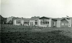 35563 De nieuwe Christelijke kleuterschool Prinses Margriet aan de Minister Lelystraat. Architect: J.S. Stortenbeker. ...