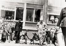 356 In de Paul Krugerstraat, ter hoogte van de maisonettewoningen, brandde tegen de gevel van de woningen een bromfiets uit