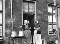 41554 Het Hofje de Pauw, omsloten door de Beursstraat, Breewaterstraat en Noordzeestraat. De toegang is vanuit een ...