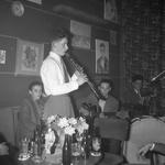 46521 Muziekgroep in café-restaurant La Tour Eiffel , Beursplein 1