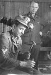 48781 Tweede Wereldoorlog. Duitse militairen op het vliegveld