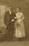 55195 Trouwfoto van Willem de Wolf (geb.25-9-1893 te Vlissingen) en Margaretha Bassie (geb.12-9-1892 te Middelburg). De ...
