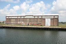 55803 Gezicht op de voormalige machinefabriek van de Koninklijke Scheldegroep op de Dokkade in Vlissingen