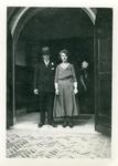 55889 Huwelijksfoto van Pieter Maas (geb. 8-4-1903 te Koudekerke) en Hendrika Bassie (geb.8-1-1908 te Middelburg) . De ...