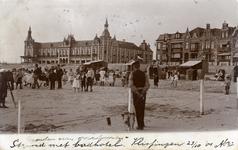 56965 Badstrand van Vlissingen en Grand Hotel des Bains (later Britannia) op Boulevard Evertsen
