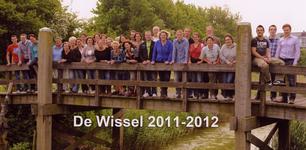 57199 Onderwijzend personeel van de CBS De Wissel aan de Flamingoweg en aan de Kleiweg. Schooljaar 2011-2012. v.l.n.r ...