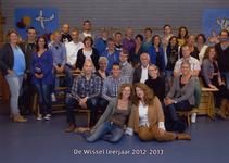 57202 Onderwijzend personeel van de CBS De Wissel aan de Flamingoweg en aan de Kleiweg. Schooljaar 2012-2013. Bovenste ...