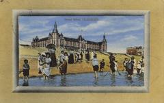 57497 'Grand Hôtel, Vlissingen'. Het badstrand en Grand Hotel des Bains (later Britannia) op Boulevard Evertsen