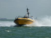 58080 De Redeafhaalboot Apollo van het Nederlandse loodswezen op de Westerschelde bij Vlissingen. Dit schip is gebouwd ...