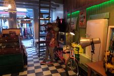 59328 Sinds 19 november 2016 bundelen RootWood & Sleazy Tiki Barbershop hun krachten in de Sint Jacobsstraat 17 te ...