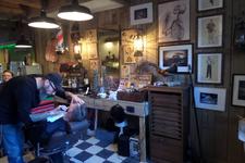 59329 Sinds 19 november 2016 bundelen RootWood & Sleazy Tiki Barbershop hun krachten in de Sint Jacobsstraat 17 te ...
