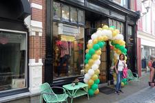 59403 Op 10 september 2016 is kledingzaak Mrs. Marcos feestelijk heropend op een nieuwe locatie. De winkel is verhuisd ...