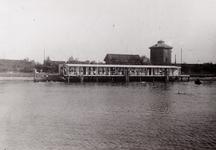 9223 De voormalige Vlissingse zwemschool (zwembad) aan het Kanaal door Walcheren.