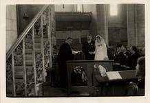 9946 Trouwdienst in de St. Jacobskerk. Predikant ds. J.S. Hartjes.