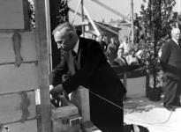 5359 1e steenlegging door burgemeester B. Kolff voor een nieuw Tehuis voor Ouden van Dagen, Ter Reede, Koudekerkseweg ...