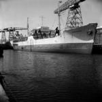 2283 Noorse tanker Kongsholm in de Dokhaven langszij de afbouwkade voor de Machinefabriek, d.d. juni 1951. Zij was ...