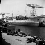 2284 Noorse tanker Kongsholm in de Dokhaven langszij de afbouwkade voor de Machinefabriek, d.d. juni 1951. Zij was ...