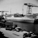2285 Noorse tanker Kongsholm in de Dokhaven langszij de afbouwkade voor de Machinefabriek, d.d. juni 1951. Zij was ...
