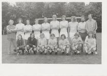 M 10845 Elftalfoto op een voetbalveld, gelet op de haardracht jaren 1970-1980