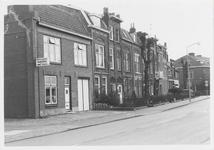 M 12036 De bewoning naast het kantoor van de jamfabriek De Betuwe aan de Grotebrugse Grintweg, de hoek aan de ...