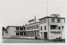 M 12056 Metaalwarenfabriek Metawa aan de Stationsweg, de voorzijde