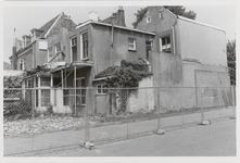 M 12073 De achterzijde van het gebouw Opwaarts aan de Sint-Walburgstraat