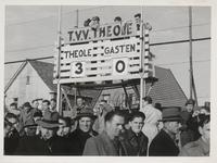 M 12092 De Tielse voetbalvereniging Theole wint met 3-0 van de gasten. De bezoekers gaan weer naar huis